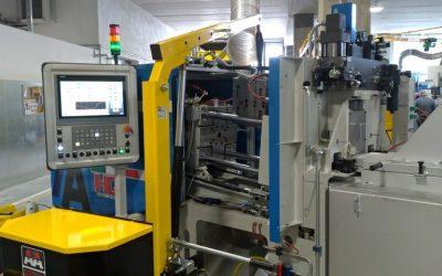 La nostra gru a sbalzo 01M5 tra le stampatrici della LCS Stamp di Barberino del Mugello